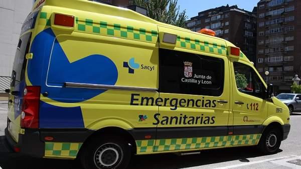 Sucesos.- Tres heridos tras colisionar un autobús urbano y un turismo en Burgos