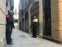 Imagen de agentes de Mossos y de Guardia Urbana en una operación antidroga.