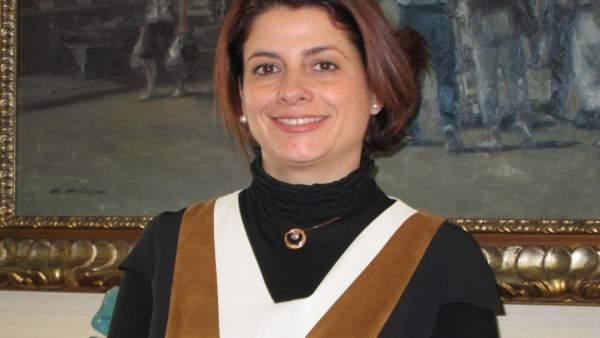 La alcaldesa de Teruel, Emma Buj, en el Ayuntamiento de la ciudad