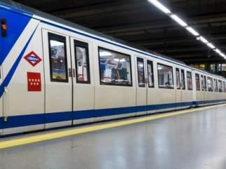 Circulación interrumpida en la línea 10 de Metro en ambos sentidos por un problema mecánico en un tren