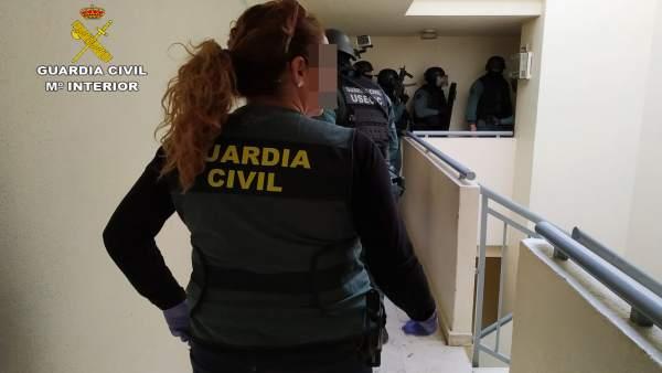 Sucesos.- Cinco detenidos al desamentalar un grupo que asaltaba comercios de Murcia y Alicante