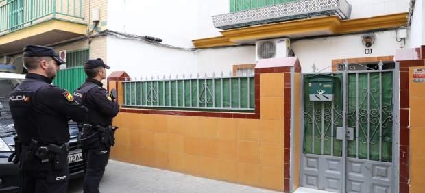 Sevilla.- Sucesos.- La Policía registra una casa de la calle Ortega y Gasset relacionada con el yihadista detenido