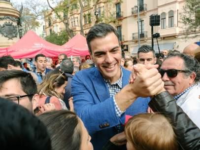Pedro Sánchez hace campaña en Ibiza