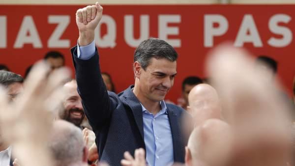 Pedro Sánchez en un mitin en San Sebastián