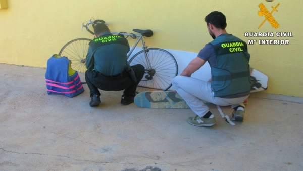 Almería.- Sucesos.- Detienen a los presuntos autores de un robo con escalo en una vivienda de Vícar