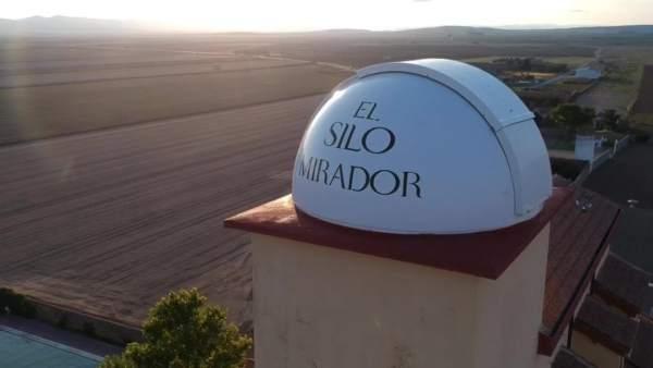 ACRA   Un antiguo silo de cereal, un lugar donde hospedarse en Bello