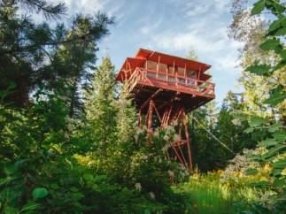Esta torre de vigilancia contra incendios se ha convertido en una casa de ensueño