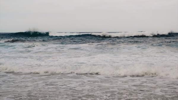 El aviso por oleaje se eleva este sábado a nivel naranja en Baleares
