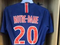 PSG homenaje a Notre Dame