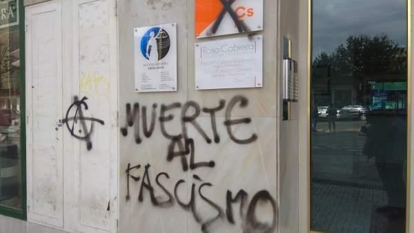 Almería.-Cs condena el 'ataque' a su sede de Almería tras una pintada con el mensaje 'Muerte al fascismo'