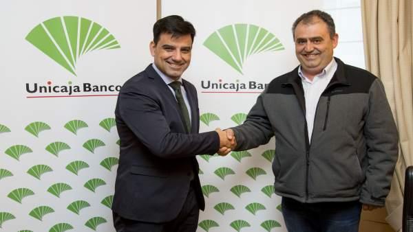 Unicaja Banco renueva su convenio con 380 taxistas de Valladolid para facilitar el acceso al crédito
