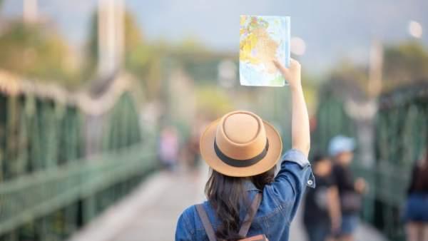 Cuatro carnés imprescindibles para disfrutar de descuentos cuando viajas