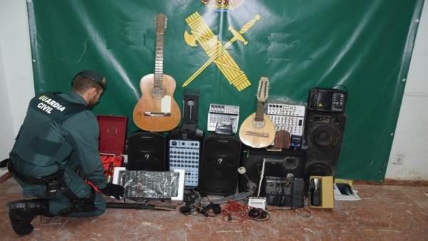 Sucesos.- Detenido un joven en Almazán (Soria) por el robo de varios instrumentos musicales y aparatos electrónicos