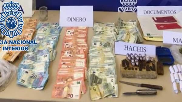 Córdoba.- Sucesos.- Detenidos tres acusados de menudear con hachís y marihuana en el Sector Sur