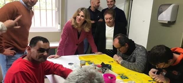 Cádiz.- Mestre traslada el apoyo de la Junta al trabajo que realiza Asprodeme