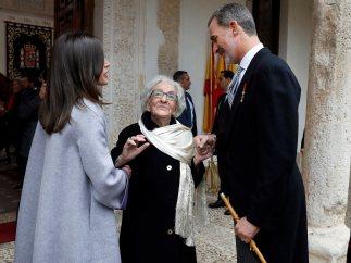 Las fotos de Ida Vitale recibiendo el Premio Cervantes 2018