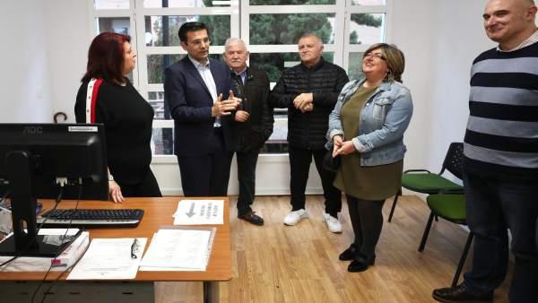 Granada.- El Ayuntamiento instala una oficina de atención sociolaboral en el barrio de la Chana