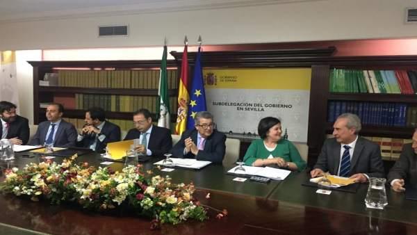Sevilla.- La comisión del Pfoea aprueba una distribución con 36 millones para 26.000 contratos y 500.000 jornales