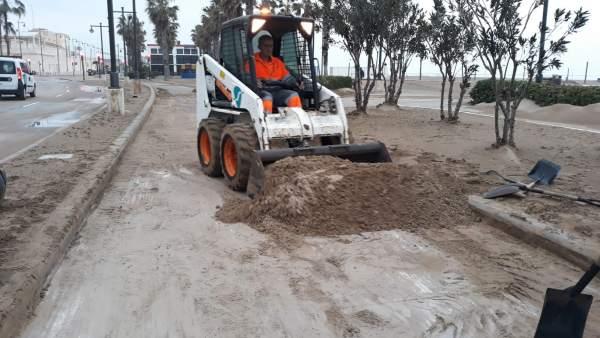 Les platges de València inicien el camí cap a la normalitat