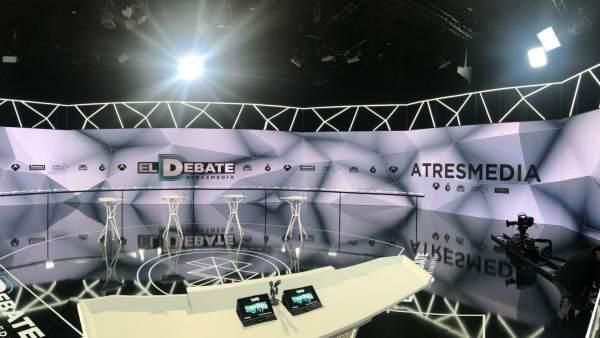 El plató en el que se celebra el segundo debate.