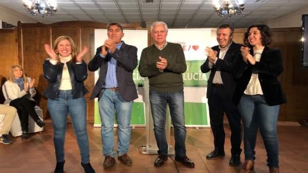 Cádiz.- 26M.- PSOE presenta en Setenil a un equipo renovado de gente joven para 'recuperar el espacio político perdido'