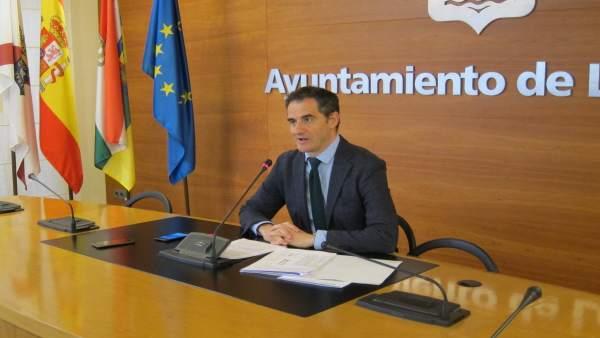 Aprobado un gasto de 6.655 euros para el mantenimiento de las cubiertas fotovoltaicas municipales durante un año