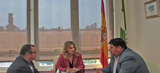 Np Y Foto Reunión Ana Mestre Y Femca
