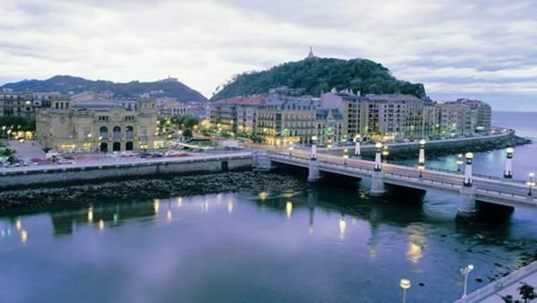 Ayuntamiento de San Sebastián pone en marcha un proyecto piloto para fomentar el uso del euskara en la hostelería