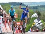 Ciclismo.- El francés Julian Alaphilippe vuelve a dominar la Flecha Valona