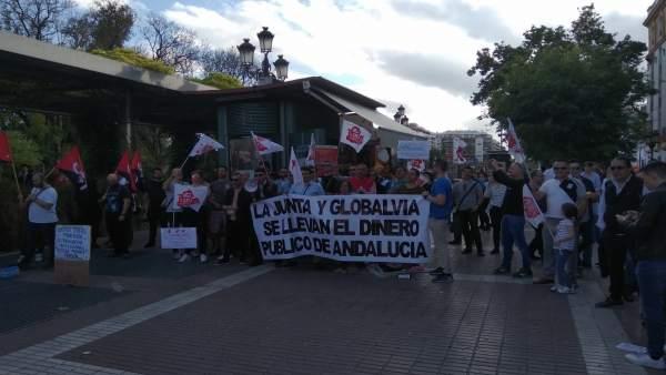 Sevilla.- La plantilla del metro no secunda la huelga durante la mañana y recibe una propuesta de reunión con la empresa