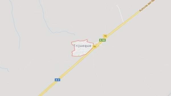 Sucesos.- Un hombre de 60 muere tras ser atropellado por un camión al intentar cruzar a pie la A-2 en Trijueque