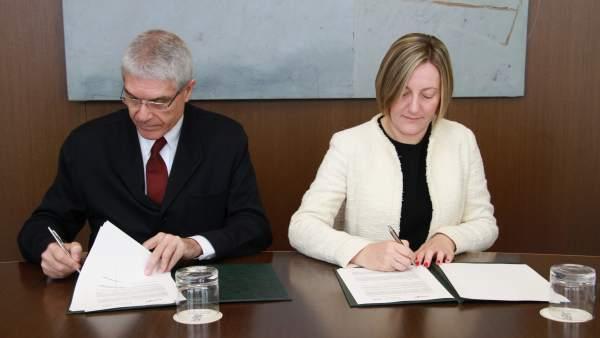 La Generalitat i Renfe signen el conveni per a la integració dels títols de Rodalia en la TargetaMóbilis