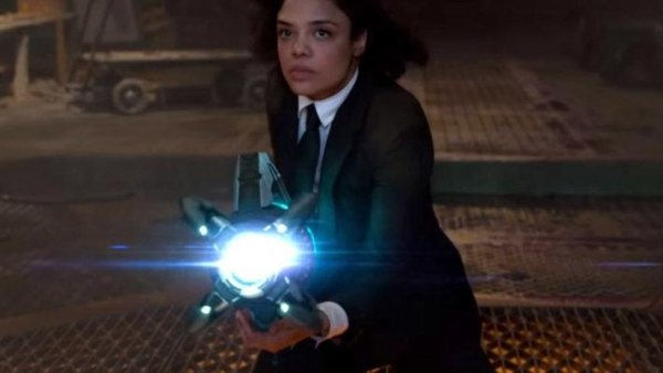 Tessa Thompson da caña en el nuevo tráiler de 'Men In Black: International'