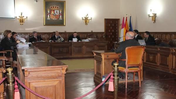AV.- Trib.- Profesor de música de Cuenca acusado de abusos afirma que tuvo relaciones con alumna 'y las empezó ella'