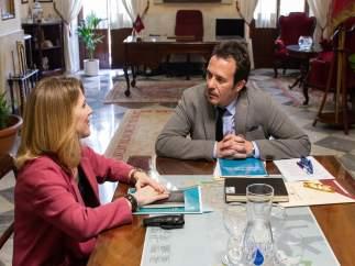 La delegada de la Junta en Cádiz, Ana Mestre, y el alcalde de Cádiz, José María