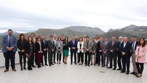 Málaga.- La Diputación se compromete a impulsar la agricultura y la industria agroalimentaria en la Axarquía
