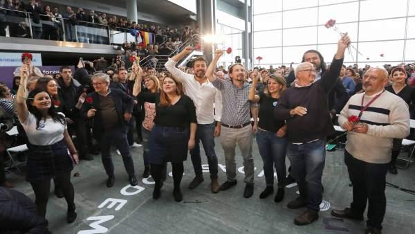 Pablo Iglesias interviene en un mitin en Vigo