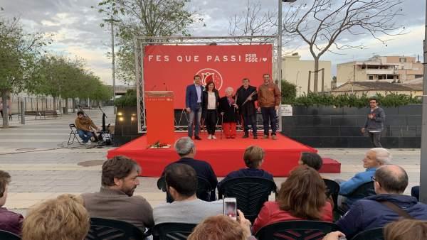 Vicenta Macías y Xisco Antich reciben los premios Rosa de Plata por representar 'los valores socialistas'