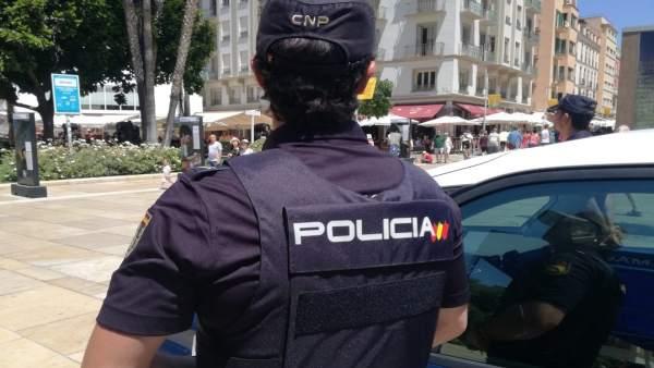 Málaga.- Sucesos.- Detenido por acceder a la fuerza en la casa de una mujer muerta a manos de su pareja en Estepona