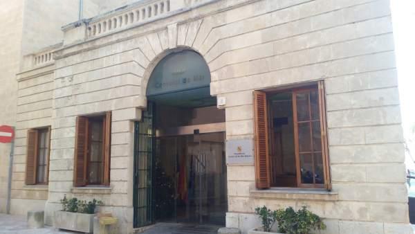 El Govern trasllada el seu condol a la família de l'operari mort en el Port d'Eivissa