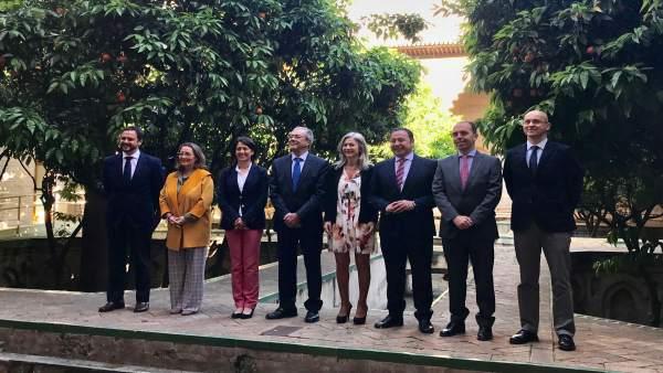 Sevilla.- La Junta elogia su labor en la provincia en los cien primeros días y ve su modelo 'exportable para el país'