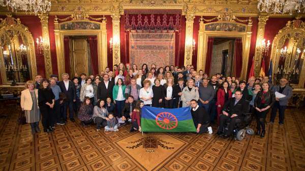 Recepción institucional a las comunidades gitanas con motivo de la celebración de su día en Navarra