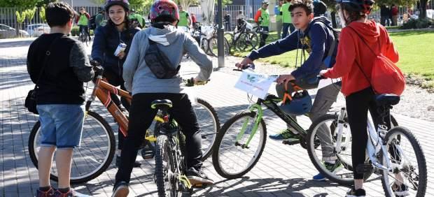 Granada.- La décima ciclo-ruta en defensa de la Vega reúne en la Diputación a 40 colegios