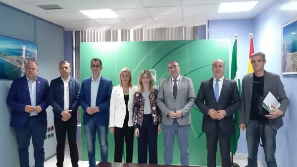 Cádiz.- Junta firma con cinco ayuntamientos los convenios del programa de tratamiento a familias con menores en riesgo