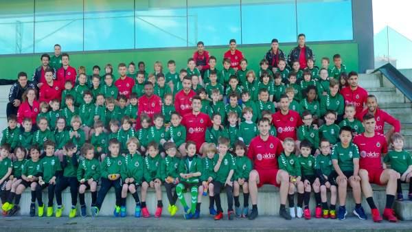 El Campus de Semana Santa del Racing reúne a un centenar de niños