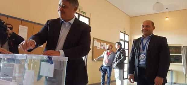 Cádiz.- 28A.- Juancho Ortiz (PP) anima a la ciudadanía a votar porque 'en eso consiste la gran fiesta de la democracia'