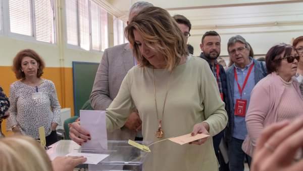 Susana Díaz vota el 28-A