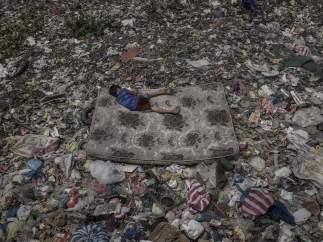 Living Among What's Left Behind, premio fotografía Medio Ambiente.