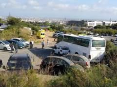 El autobús escolar accidentado en Esplugues de Llobregat.