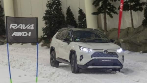 Nuevo SUV híbrido de Toyota con tracción total y 222 CV